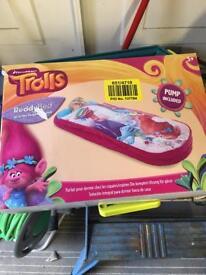 Trolls readybed children's blow up bed