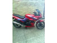 kawasaki gpz 500 a classic . sweet runner needs a fork seal and front tyre for mot and tlc