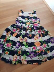 Beautiful girls dress age 8 very good condition