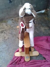 Rocking horse mampa