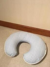 Baby feeding cushion