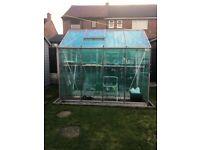 Apex high heaves greenhouse