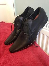 Top man's formal shoes