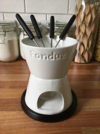 White mini fondue set