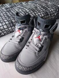 Air Jordan Grey