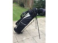MENS RIGHT HANDED ZUCCI GOLF CLUBS PLUS STAND BAG