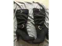 Black boots size 7/40