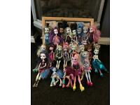 Large Monster High Doll Bundle, Some Rare! CAN POST