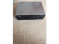 Toshiba TDP TW95 DLP Projector 1024 x 768 (XGA) 2200 Lumens