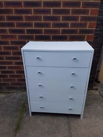 White Chest of 5 Drawers