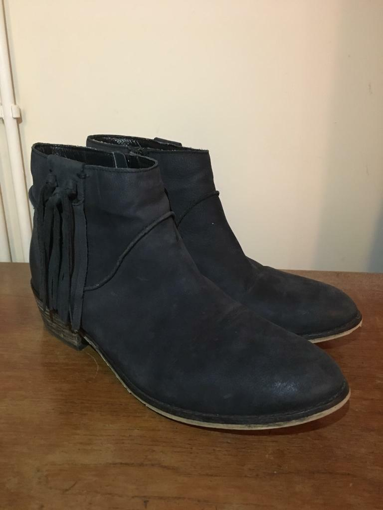 Ladies FatFace Leather Black Boots - UK 7