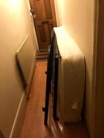 Single bed whit mattress