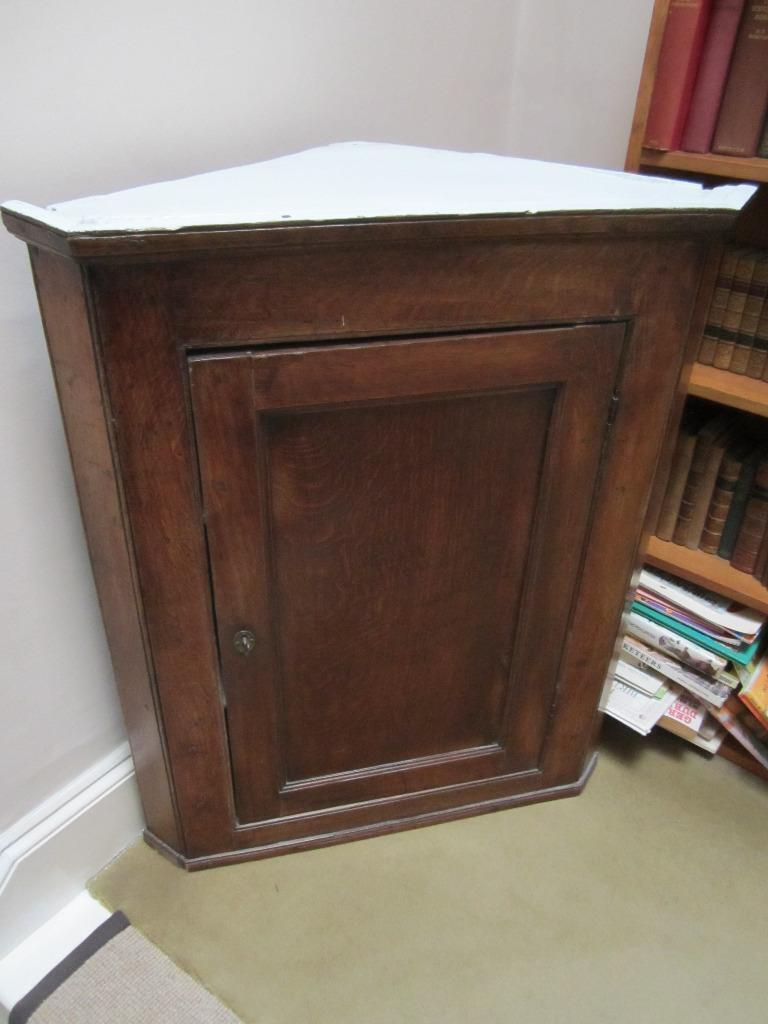 Charming 18th-century oak hanging corner-cupboard