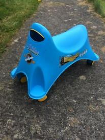 Whirlee ride on toy