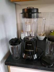 Salter Nutrivortex extractor, smoothie maker, juicer and blender