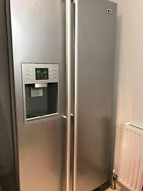 LG American Style Fridgefreezer With Ice And Water Dispenser - good condition