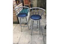2x breakfast bar chairs/stools