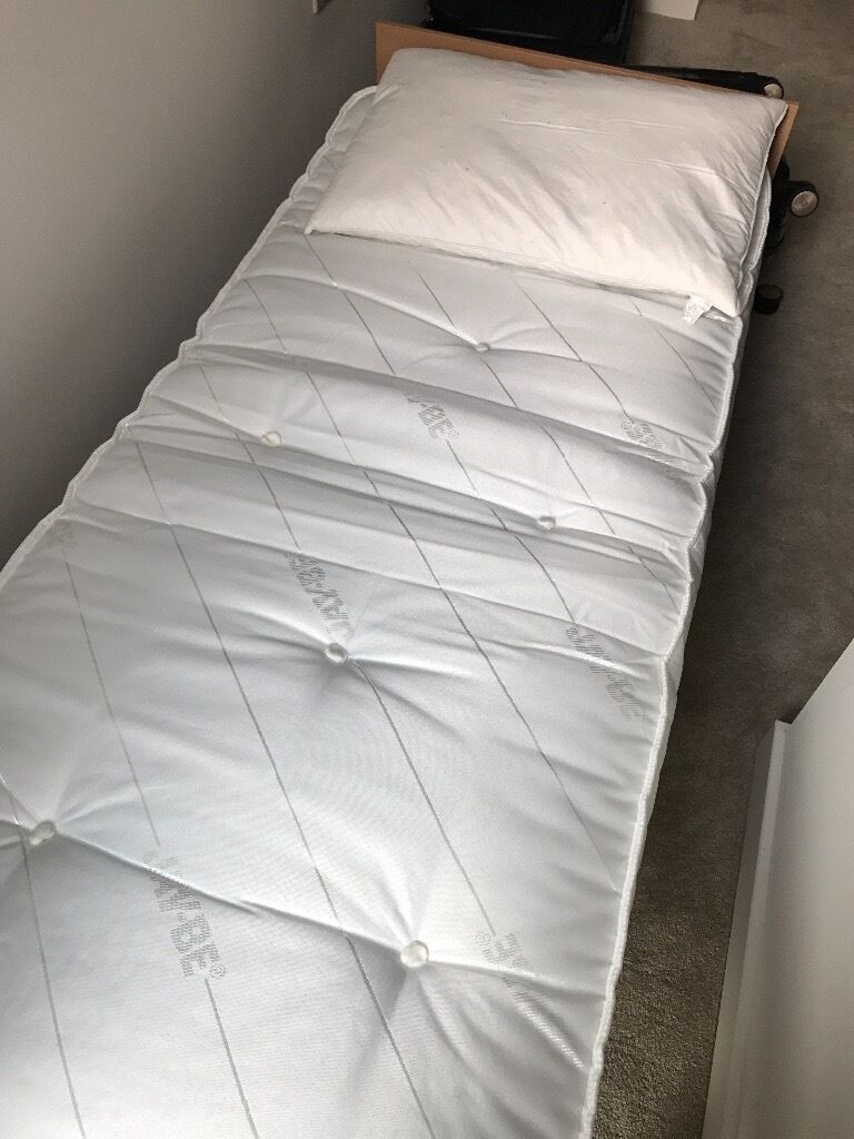 ***FOR SALE***SINGLE FOLDING BED IN VERY GOOD CONDITION***