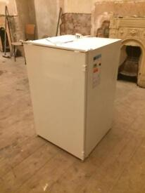 Integrated fridge - excellent condition