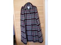 Ladies tartan cape.length 42 inches. So good looking and to keep you warm. Excellent condition.