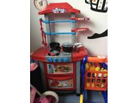 Play kitchen with food