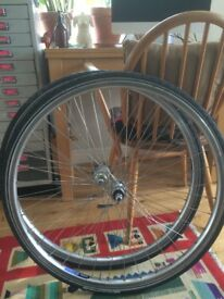 Wheelset with tyres 28""