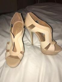 Riverisland nude size 6 heels