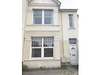 2 bedroomed ground floor flat close to supermarket, park and bus routes
