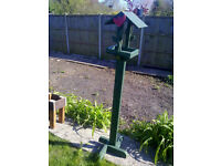 Free Standing Bird Feeding Table