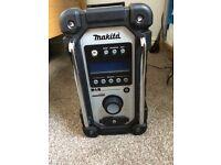 Makita DMR104 radio. As new. No battery inc.