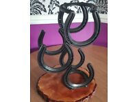 HORSESHOE WINE RACK WITH WOODEN BASE