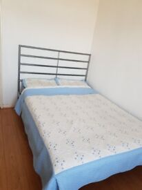 A big room for rent in bow E3, zone2 (all bills included )