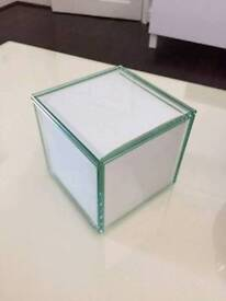 5 SIDED GLASS PHOTO CUBE