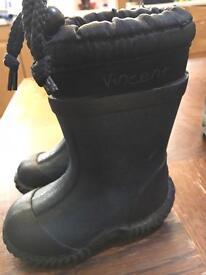 Snow boots kids J4, J13 and J13.5