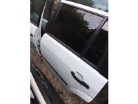 Ford mondeo mk3 estate 4 doors white