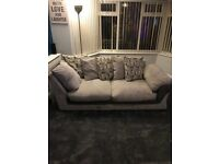 Excellent condition corner sofa which can be separated into 2 individual sofas