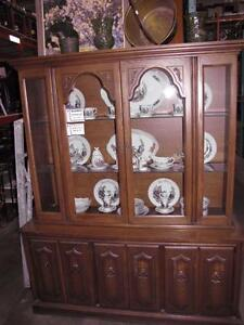 Grande Liquidation 25%-50% sur Buffet & Vaissellier - Huge Liquidation on Buffet & Hutches