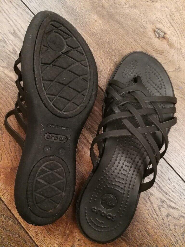 9066b8736371 Crocs Huarache ladies flat flip flip sandals beach summer UK 4 W6 black  will  post