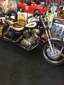 Virago 535. Rare two tone low mileage honest bike
