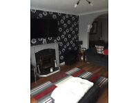 Double room with ensuite to let