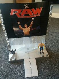 WWE MATTEL RAW ULTIMATE ENTRANCE STAGE PLAYSET FOR WRESTLING FIGURES