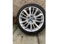 Slightly marked BMW wheel,part used tyre fitted. 19in alloy slightly marked edges 245/40R19 tyre