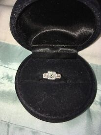 Stunning Platinum & white Gold Diamond Ring