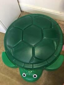 Sand pit turtle with lid