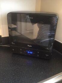 Microwave Whirlpool Black (corner microwave)needs glass plate.