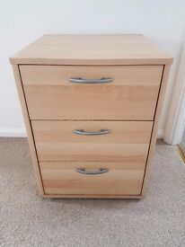 3 drawers bedside table