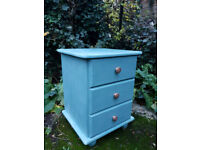 Chest of drawers ucycled chalk paint wax finish