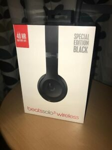 Sealed BNIB BEATS SOLO 3 wireless bluetooth headphones