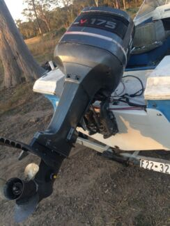 Yamaha 175 v6 outboard engine and boat  Morisset Lake Macquarie Area Preview
