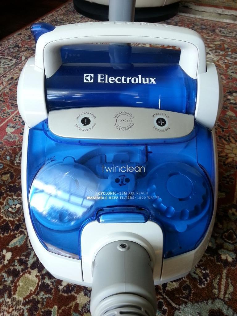 Electrolux Twin Clean Cyclonic 1800 Watts Vacuum Cleaner